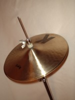 [DW9500 single hi-hat stand with 13-inch Zildjian KZ hi-hats]